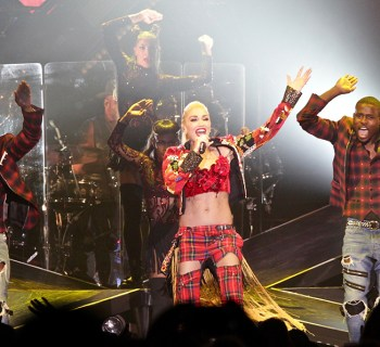 Gwen Stefani and Eve at The Forum - photo by Alex Seyum