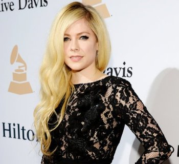 Avril Lavigne signs with BMG