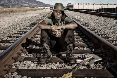 "Eric Gales - ""Middle of the Road"" music album review"