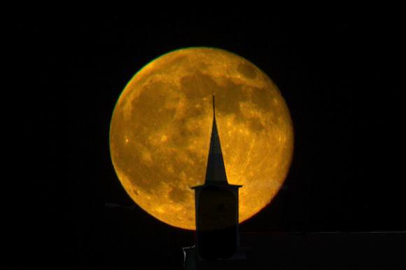 hunters-moon-steeple-copy2