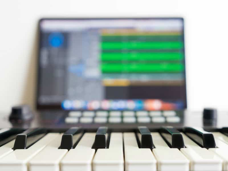 MIDI Connection How to Connect a MIDI Keyboard to a Computer