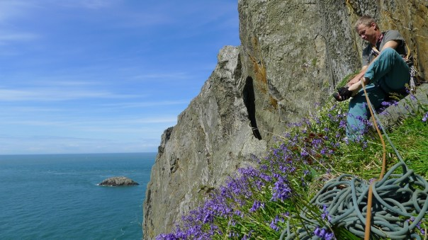 Steve Long gearing up on the Upper Tier at Gogarth. Photo- Calum Muskett