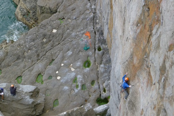 Dan Walker climbing Orange Robe Burning. Photo- Calum Muskett