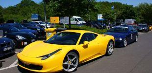 Żółciótkie Ferrari - autor zdjęcia Maciej Chajski