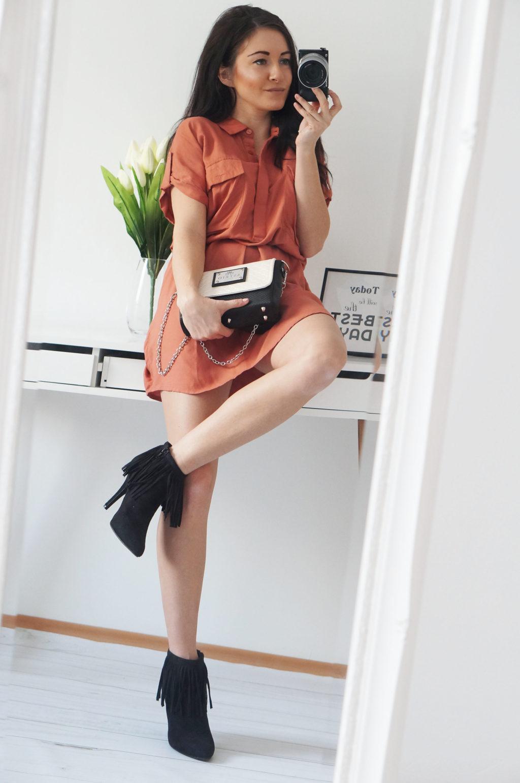 ruda sukienka