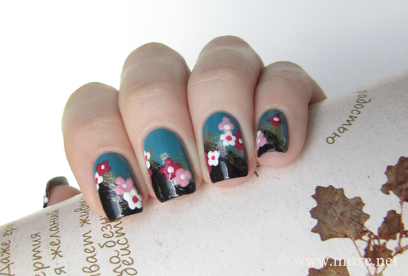 Floral nail design - black and teal