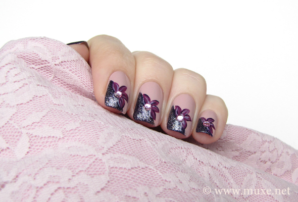 Purple flowers nail art