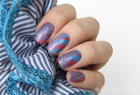 Holo water marble nail art
