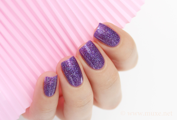 Purple holography nails