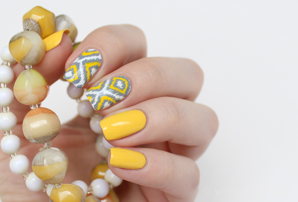 Ikat naills in yellow and grey