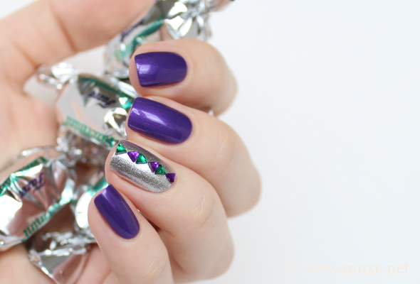 Purple and silver nails design