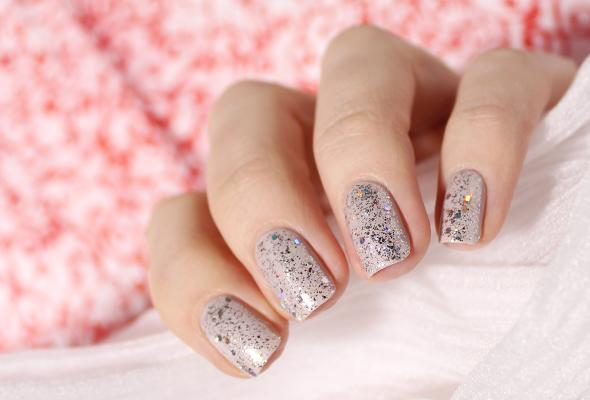 Silver holo glitter nail polish