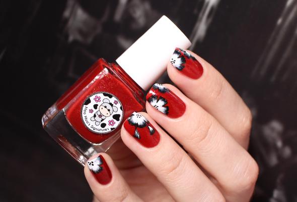 Red one stroke flowers nail design