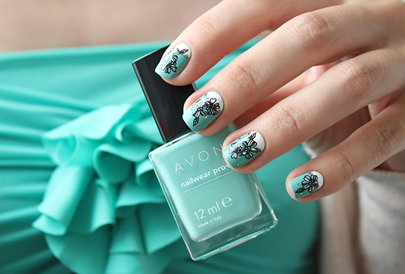 AVON Serene mint nail polish swatch reviews