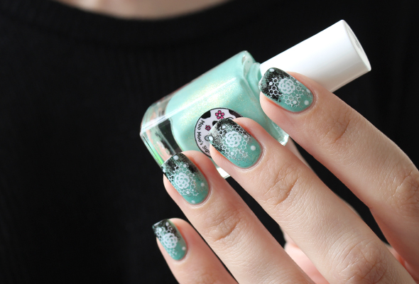 Floral lace on mint