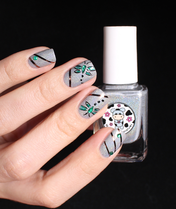 Striping tape nail design on silver