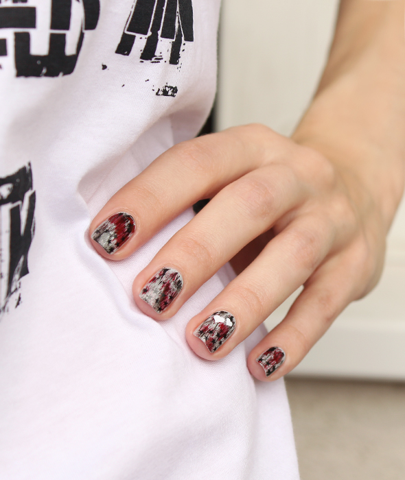 Grey grunge stars hearts nail design