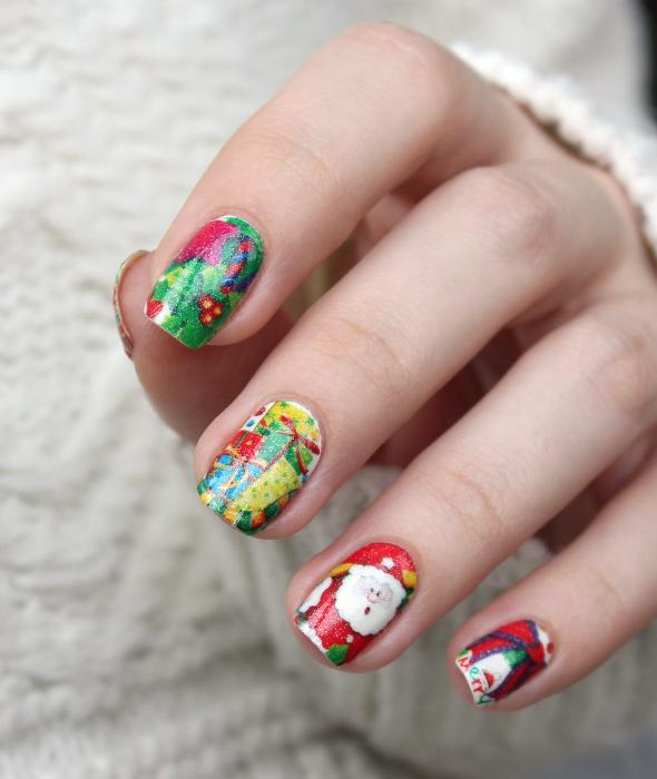 Christmas nail design Santa Claus