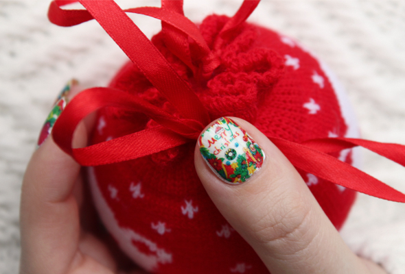 Merry Christmas nail design
