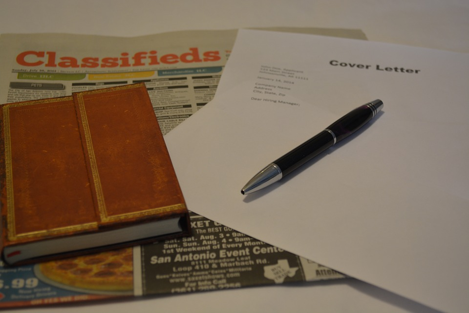 Writing a resume? Common FAQs students have for fresher resumes