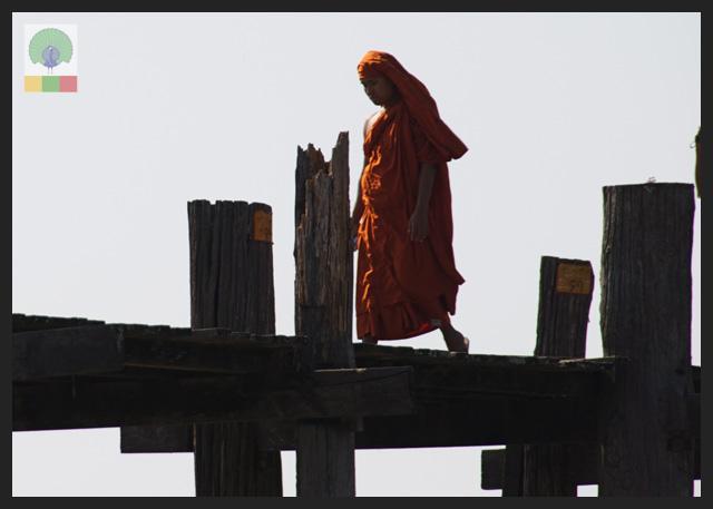 U Bein Teak Bridge - Monk Crossing - Amarapura - Mandalay - Myanmar (Burma)