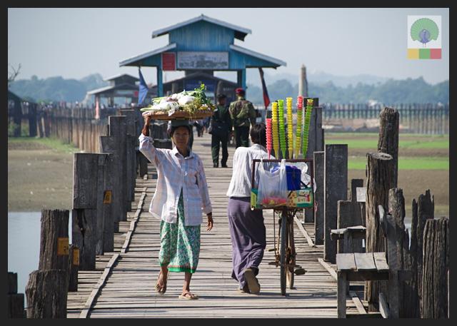 U Bein Teak Bridge - Vendors - Amarapura - Mandalay - Myanmar (Burma)