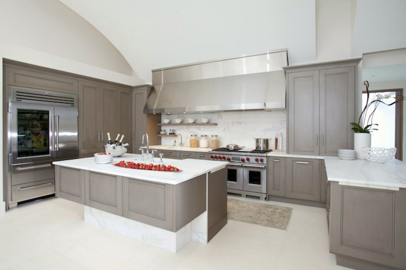 gray kitchen cabinets with white countertops gray kitchen cabinets Gray Kitchen Cabinets with White Countertop Minimalist