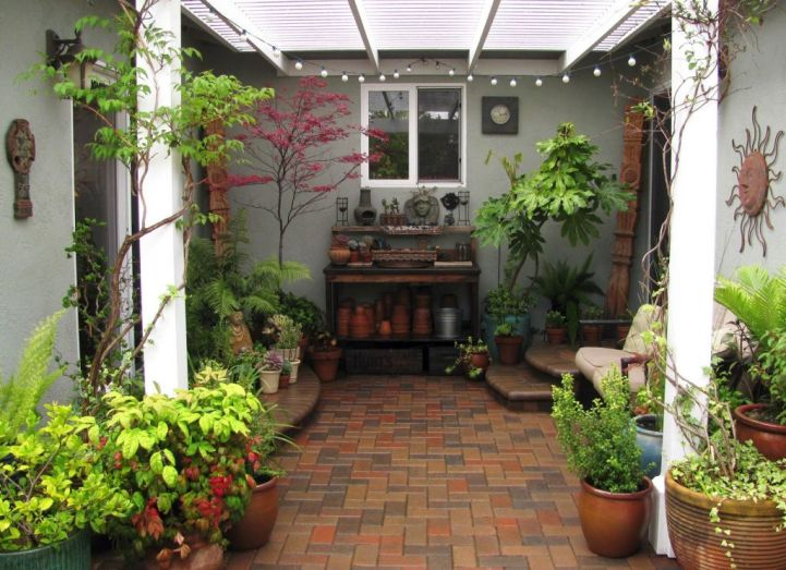 20 lovely japanese garden designs for small spaces for Limited space gardening ideas