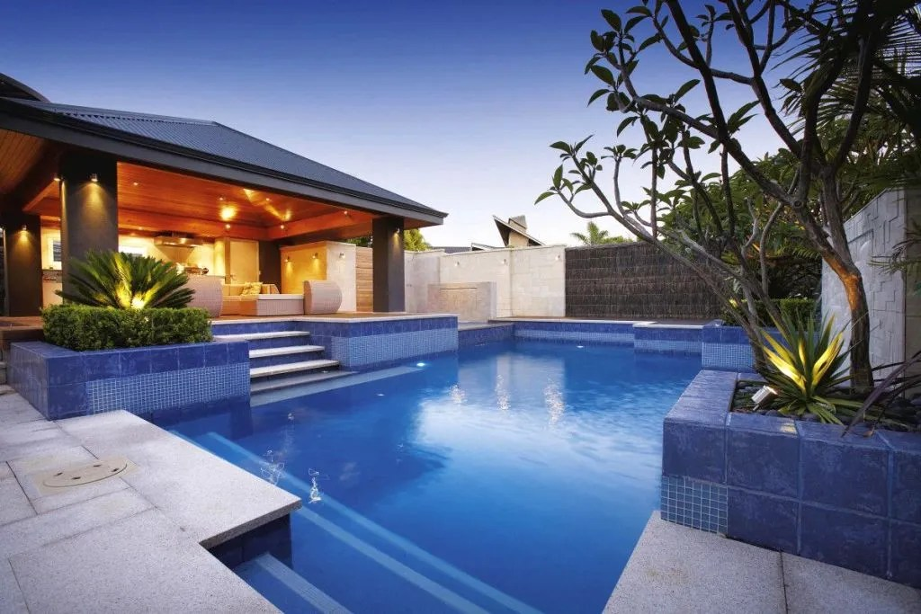 luxury backyard swimming pools backyard swimming pool