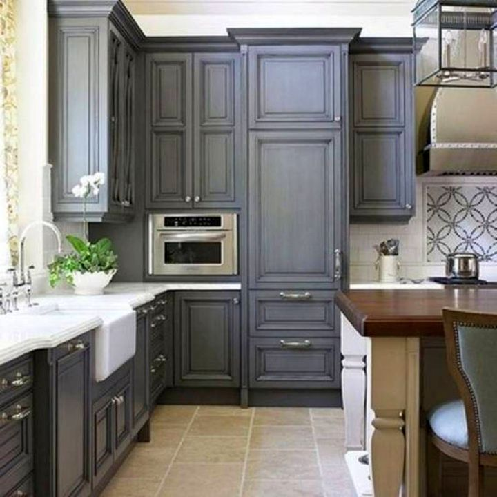 17 sleek grey kitchen ideas modern interior design for Kitchen paint colors grey