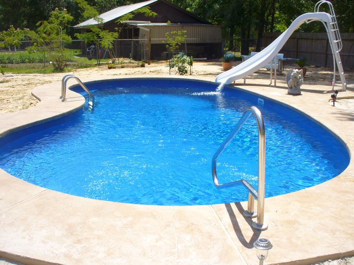 Inground kidney shape pool with slide for Kidney shaped pool designs