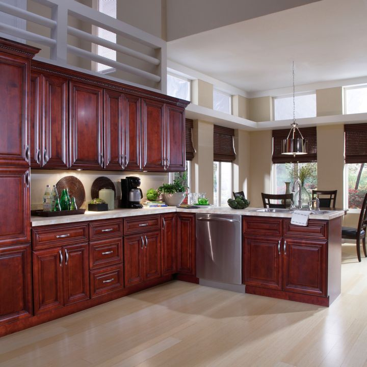 17 most popular kitchen cabinet colors for 2015 for Most popular kitchen designs