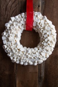 How To Make a Marshmallow Wreath | My Baking Addiction