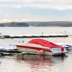 4 Tips for Keeping Yourself Safe While Boating in the Winter