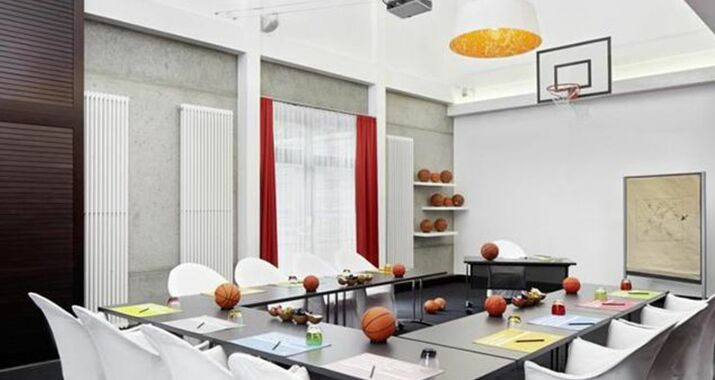 25hours Hotel Number One, a Design Boutique Hotel Hamburg, Germany - esszimmer 25hours