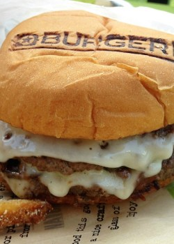 5 Tips for Making the Best Burger + BurgerFi Restaurant Review