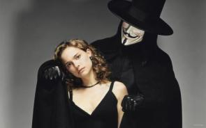 V For Vendetta – Natalie Portman And V