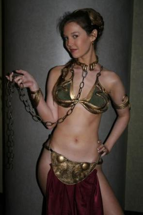Slave Leia Cosplayer