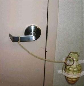 Surprise! (handgranade stuck to door)