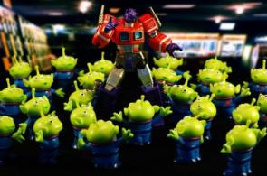 Optimus Prime Vs Toy Story Aliens