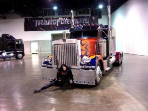 Baroness In Front Of Optimus Prime