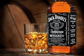 jack daniel's old number 7 IN A GLASS