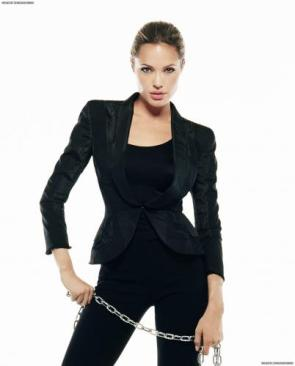 Angelina Jolie – Metal Chain