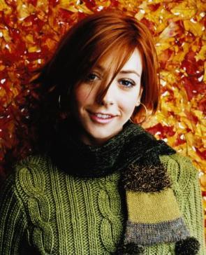 Alyson Hannigan In Green Sweater