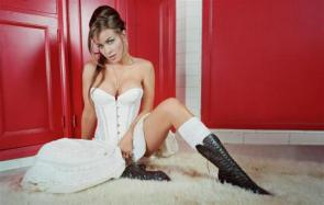 NSFW – Carmen Electra's White Dress