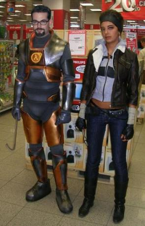 Half Life 2 Cosplayers