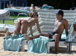 NSFW – Jessica Alba – Poka Dot Bikini