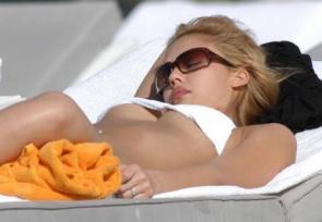 NSFW – Jessica Alba – White Bikini Sunbathing