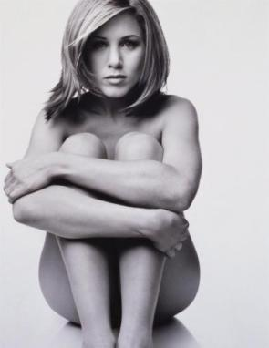 A Naked Jennifer Aniston