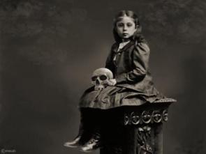 Creepy Skull Girl